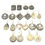 Një palë vathë Shell, Black Shell, Shape përziera, asnjë, asnjë, asnjë, approx 30-38x2.5-3mm, :2-24Inç, 10Çiftet/Qese,  Qese