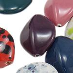 Beads xham porcelani, Kthesë, xham, ngjyra të përziera, 26.50x31.50x15mm, : 2.5mm, 50PC/Qese,  Qese