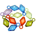 Pendants akrilik, Romb, i tejdukshëm, ngjyra të përziera, 21x11x6mm, : 3mm, 5KG/Shumë,  Shumë