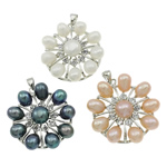 Pendants Pearl ujërave të ëmbla, Pearl kulturuar ujërave të ëmbla, with Tunxh, Lule, natyror, ngjyra të përziera, 31x34x9mm, : 3.5x5mm, 10PC/Qese,  Qese