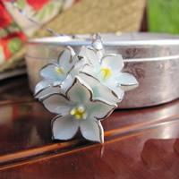 Porzellan-Anhänger, Porzellan, mit Eisen Stiftöse, Blume, glaciert, 15-25mm, Bohrung:ca. 1-3mm, verkauft von PC