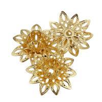 Messing Perlenkappe, Blume, vergoldet, hohl, 17x17x8mm, Bohrung:ca. 1.6mm, 50PCs/Menge, verkauft von Menge