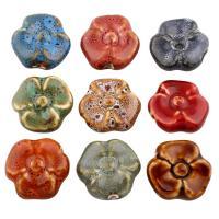Glasierte Porzellan Perlen, Blume, glaciert, keine, 35x35x10mm, Bohrung:ca. 2mm, 100PCs/Tasche, verkauft von Tasche